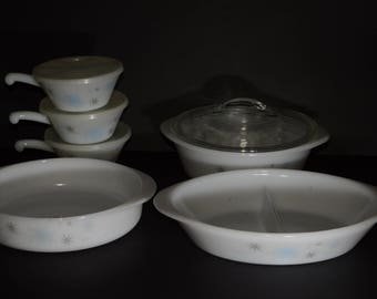 GLASBAKE, Set of Atomic Starburst Dishes: divided dish+baking dish+casserole with lid+ 3 Lug Handle Bakeware Pans Crock with lids, 1960s
