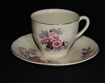 Vintage ALFRED MEAKIN, Pink red flowers, black and grey leaves, Creamware, Tea Cup and Saucer Set, Bone China, Gold Rimmed, England, c.1920+