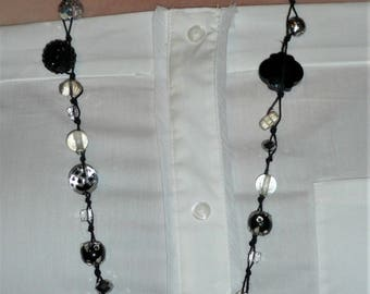 Black and white glass and plastic beaded Necklace