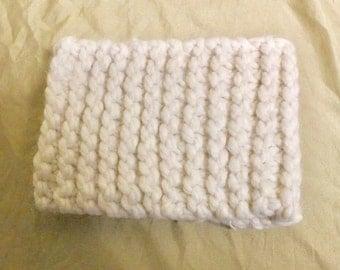 Hand-knit winter headband - Cream