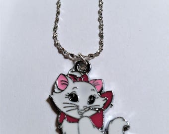 "Disney Aristocats Marie Pendant with 16"" Chain"