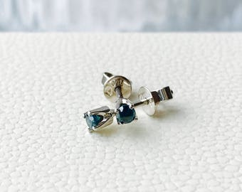 Charming 0.176 Cts NATURAL Blue DIAMOND 18K White Gold EARRING 0.90 grams