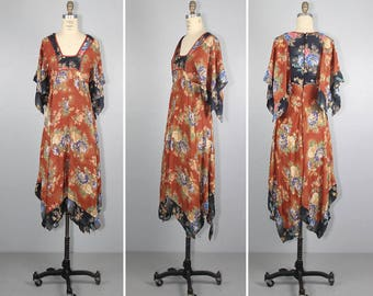1970s dress / bohemian / floaty / BRYNNA floral vintage hippie dress
