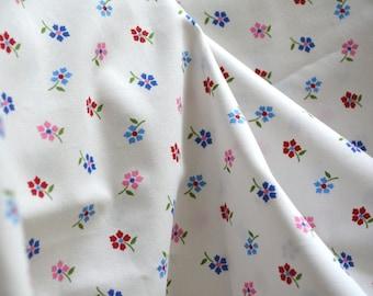 Floral fabric BEAUTIFUL poplin fabric crisp white blue pink red flowers apparel cotton