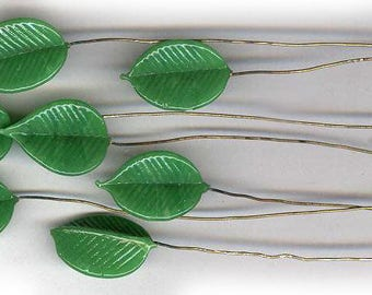 vintage GREEN GLASS LEAVES on wire brass stem seven bendable glass art glass leaves antique deep green antique glass findings