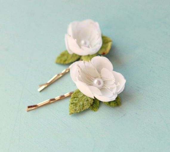 Cherry blossom hair pins, Bridal flower clips, Bobby pin flowers white, Spring wedding, Bridal hair clips, White flower pearl