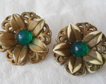 2 VINTAGE Gold Green Center Plastic Flower BUTTONS