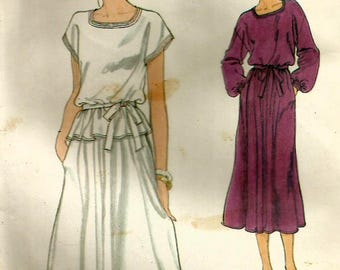 Vintage 70s Vogue 7289 Misses UNCUT Square Neckline Dress or Top with Flared Skirt and Belt Sewing Pattern Size 10 Bust 32.5