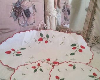 vintage doilies, dressing table set, strawberry appliques, gifts for grandma, gifts for mom, 50s home