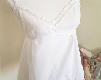 vintage victorian look top, white lace camisole, delicate beautiful, eidleweiss flowers, victorian underwear
