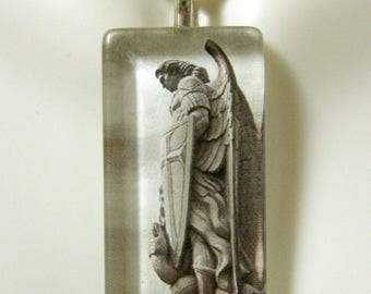 Archangel Michael pendant with chain - GP12-162