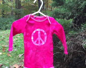 Baby Peace Sign Baby Bodysuit, Pink Peace Bodysuit, Pink Baby Bodysuit, Baby Girl Gift, Peace Sign Baby Gift, Baby Shower Gift (6-9 months)