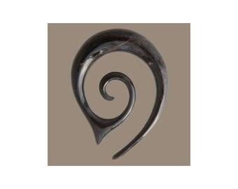 Pointy Spiral Horn Ear Stretcher, Gauge jewellery, Ear stretchers, Tribu, Organic stretcher, Gauges, stretcher, Tribal stretcher, Solid hook