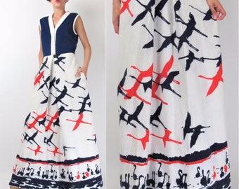 Vintage 70s CRANE Print Dress 1970s Novelty Print Dress Long Maxi Dress White Red Navy Blue Dress Bird Print Dress Sleeveless (M) 101024