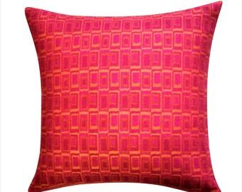 Mid-Century Geometric Throw Pillow Cover, Fuchsia Pillows, Mid-Century Cushions. Geometric Pillows, Mid-Century Decor, Decorative Pillows