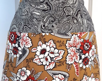 Women's Three Pocket Apron  - Half Apron - Fall Apron - Vendor Apron - Gardening Apron - Floral Apron - Thanksgiving Apron - Teacher Apron