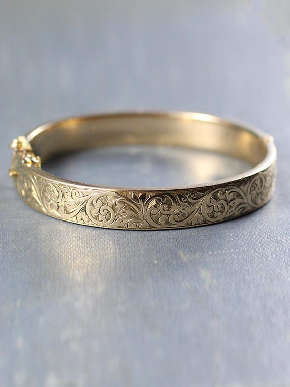 Vintage 9ct Gold Metal Core Bangle, Swirl Engraved 1940's 1950's Bracelet with Clasp and Safety Chain - Billowing Swirls