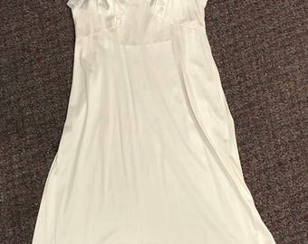 Vintage Women's Slip Made By Adonna Size 36 White Lace Very CUTE!