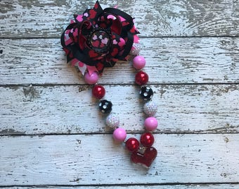 Girls Heart Chunky Necklace, Girls Bubblegum Chunky Necklace and Bow, Heart pink Chunky Necklace Valentines Day Necklace and Bow