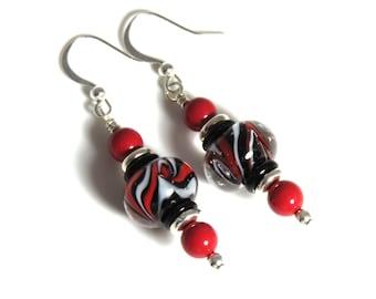 Black & Red Lampwork Earrings, Red Swarovski Pearls, Black Earrings, Red Earrings, Lampwork Jewelry, Pearl Earrings, Red Pearl Earrings
