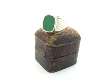 Sterling Silver Signet Ring. Green Chrysoprase Square Gemstone. Modernist High Geometric Setting. Vintage 1970s Jewelry. Size 8.625