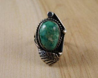 Green Turquoise Ring, Native American Silver Leaf Ring, Vintage Sterling Silver and Turquoise Ring, Indian Ring Size 6, Vintage Silver Ring