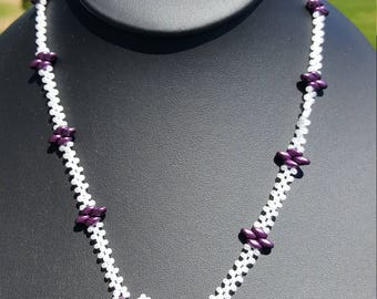 Purple lavender pearl star shape hand beaded necklace