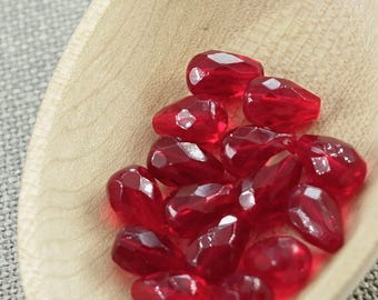 20pc 10mm Dark red Teardrop beads faceted beads 10x7mm Czech glass beads Faceted teardrops fire polished pear beads 10mm faceted beads pear
