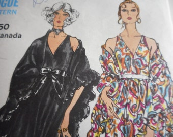 Vintage 1970's Vogue 7946 Evening Dress and Shawl Sewing Pattern Size 12 Bust 34