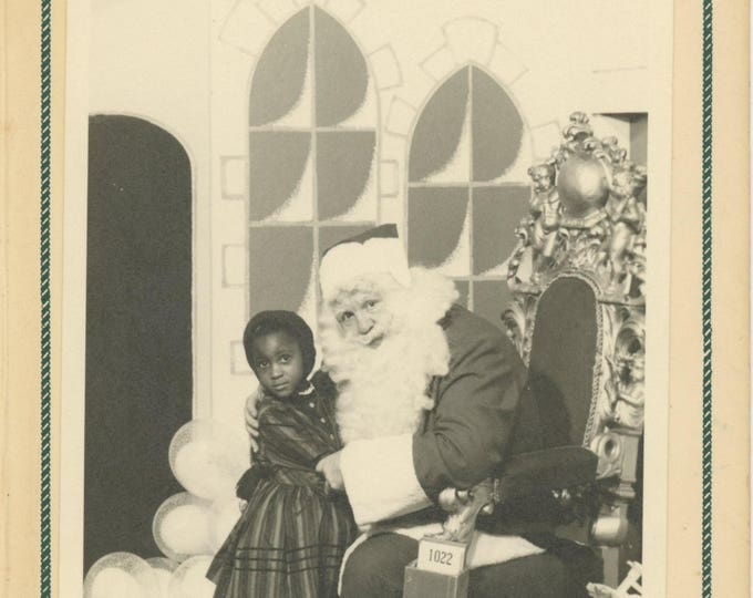 Vintage Souvenir Photo: White Santa & Young Black Girl; Halle Toy Shop, c1940s (711618 O/S)
