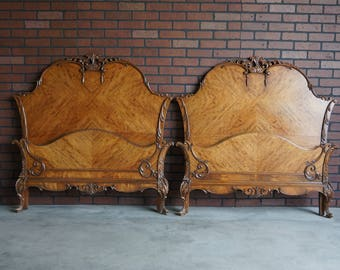 Pair of Antique Twin Bed Frame / Twin  French Provincial Bed / Shabby Chic Twin Bed / Vintage Set of Twin Beds / 1930-1940's era