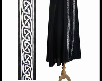 High Quality Unisex Black Poly Cotton Fighting Cloak with Shimmer Satin or Cotton lining and Medieval Celtic Trim. LARP Medieval Costume NEW