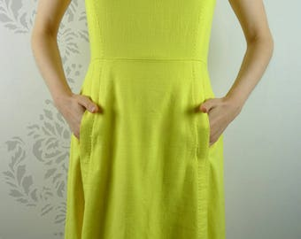 VINTAGE YELLOW DRESS 1960s Buttons Pockets Size Small