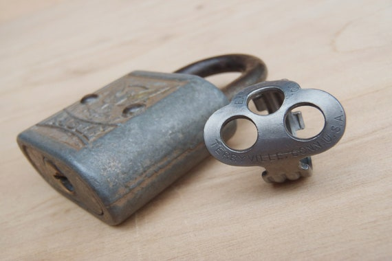 Antique Key made into a RING! - Eagle Lock - Size 8.5 - Jewelry - Vintage - Padlock Key Ring - Powder Coated