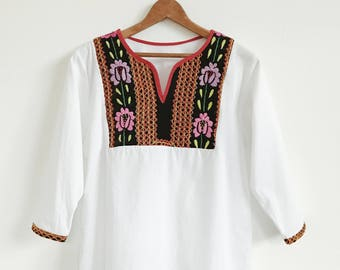 VTG Embroidered Top // Blouse // 3/4 sleeve // Indian // Velvet // Embroidery // Bohemian //