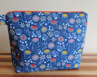 Large Floral Zip Bag