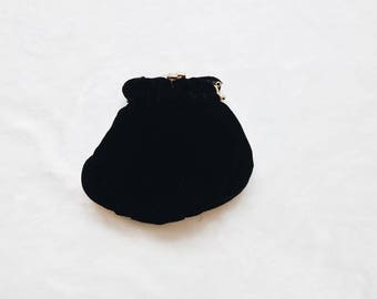 Vintage velvet purse | vintage black velvet purse clutch with gold hardware