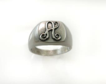 Men Monogram ring. men gift. Monogram ring. Initial  ring . Signet ring. Personalized gift for boyfriend. signet ring. Personalized men