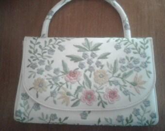 Vintage 60's Small Embroidered White Vinyl Handbag