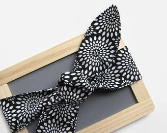 Hair Scarf - Skinny Headband - Black - Mums - Vintage Inspired - Bow Tie On - Floral - hair bow - bandana