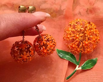 1960s Enamel Flower Brooch and Matching Flower Ball Dangle Earrings BRIGHT ORANGE MOD