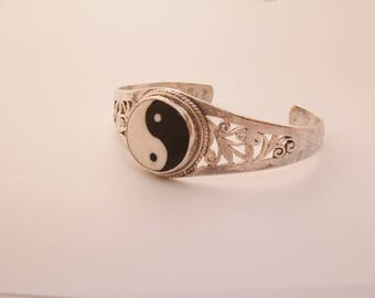 Heavy Yin and Yang sterling silver cuff bracelet / Yin and Yang bracelet / amulet / yin and yang / yin and yang cuff bracelet /cuff bracelet