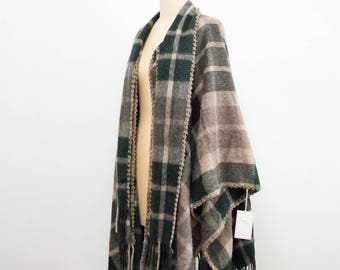 vintage 1960s wool plaid poncho