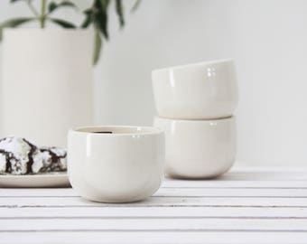 Ceramic espresso cup set in white.unique coffee mug,Modern Espresso Cups, christmas gift guide,unique gift,Housewarming gift,for the hostess