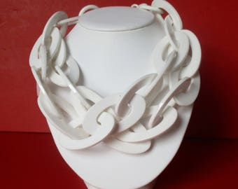Vintage Plastic White Runway Necklace