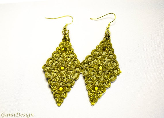 Earrings -Chandelier Lace Dangle Earrings in Vintage Design