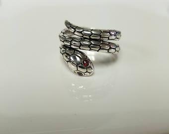 Estate Sterling Silver 925 Red Garnet Eyes Snake Ring Cobra Rattler R31