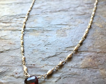Silver freshwater pearls and garnet gemstone pendant sterling silver necklace