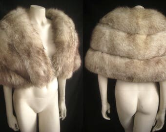 Fluffy Norwegian Blue FOX FUR CAPELET White Cape Stole Wrap Shrug Bolero Coat Jacket ~ Winter Wedding ~ Bridal ~ Brown Cream ~ Larger size