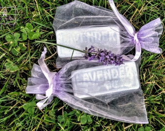 Hand Poured Lavender Goats Milk Soap Bar. Essential oil. Comes in an organza bag.  Wedding or shower favor, Valentine's Day, Mother's Day